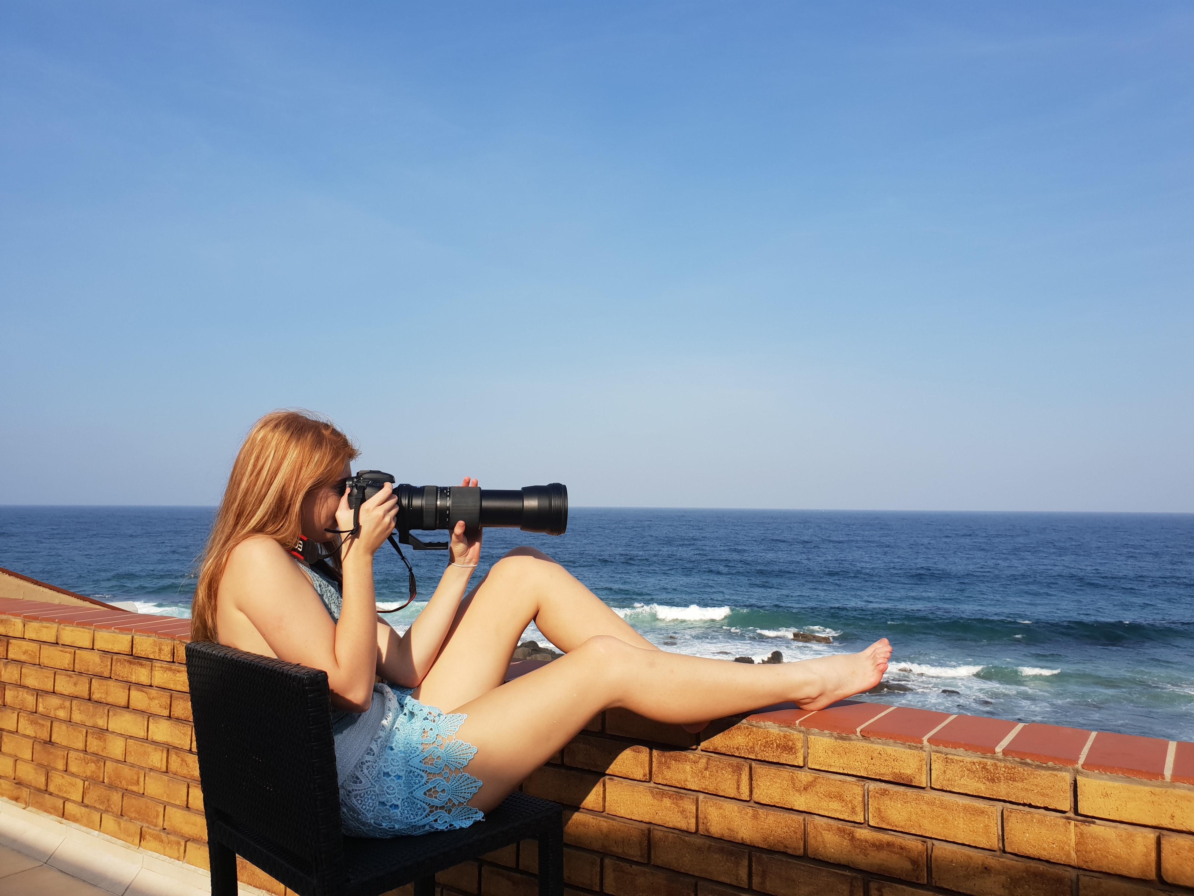 beach-blue-sky-brick-wall-984189